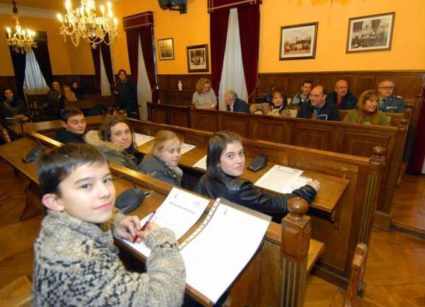Pola de Lena pone en marcha su Consejo Municipal de Infancia