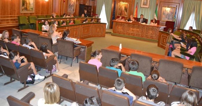 El pleno infantil en el Ayuntamiento de Marbella debate cuatro mociones planteadas por los escolares