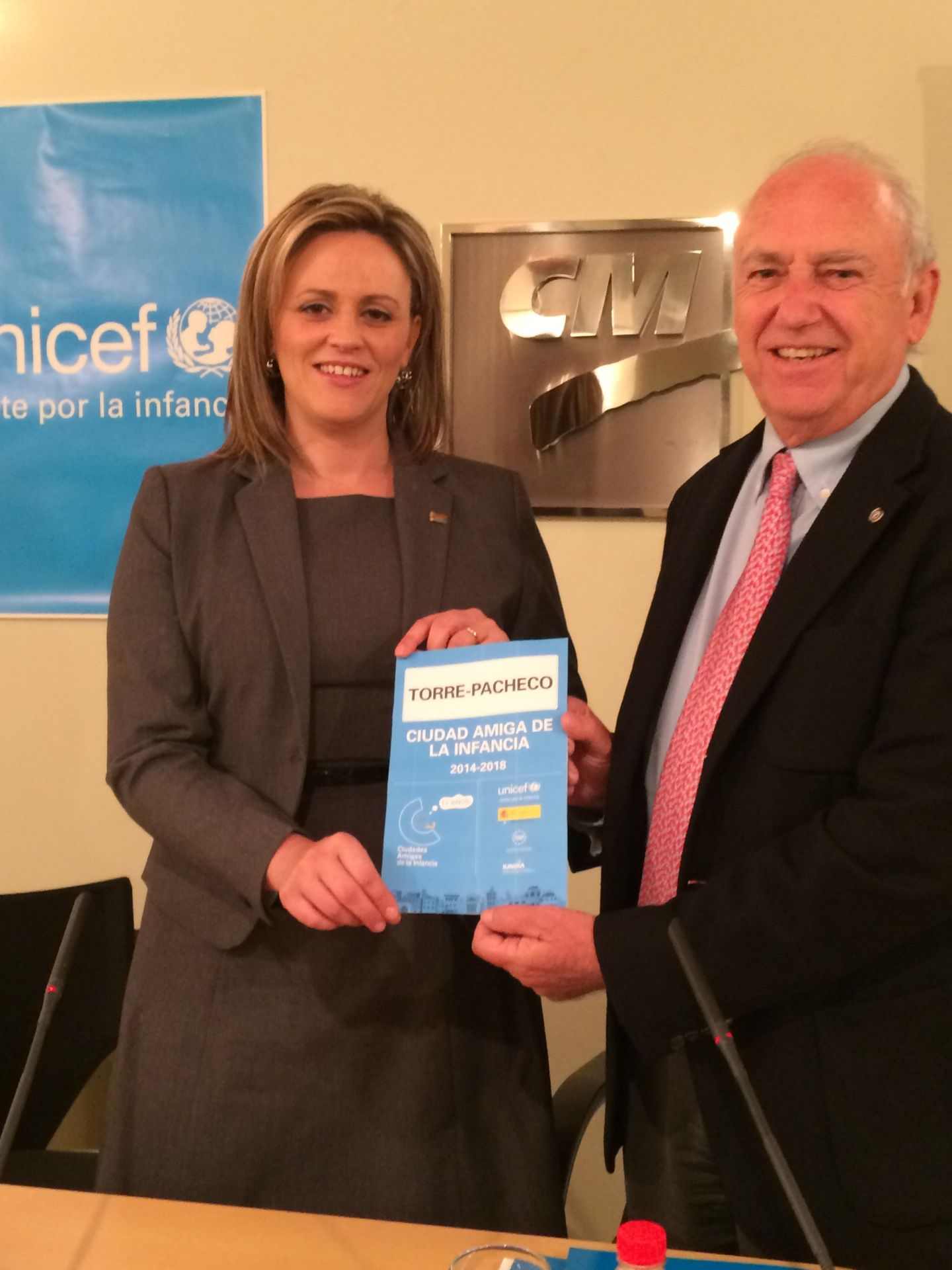 Torre-Pacheco (Murcia) y UNICEF firman un acuerdo de colaboración
