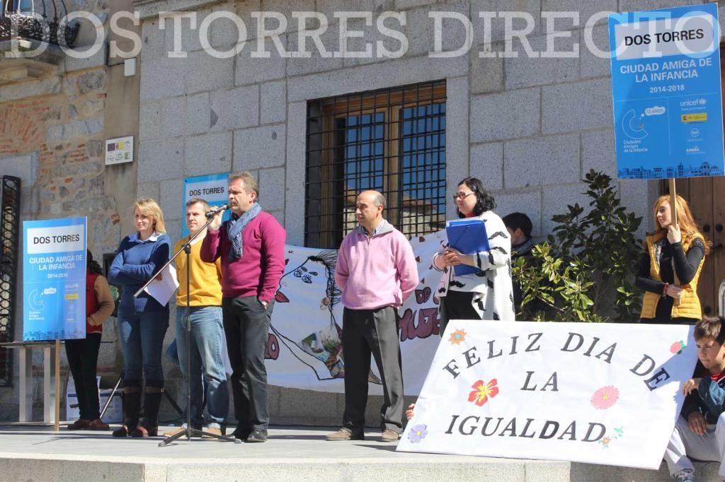 Dos Torres celebra el 'Día de la Mujer' (8 de marzo) con la lectura de una moción propuesta por UNICEF