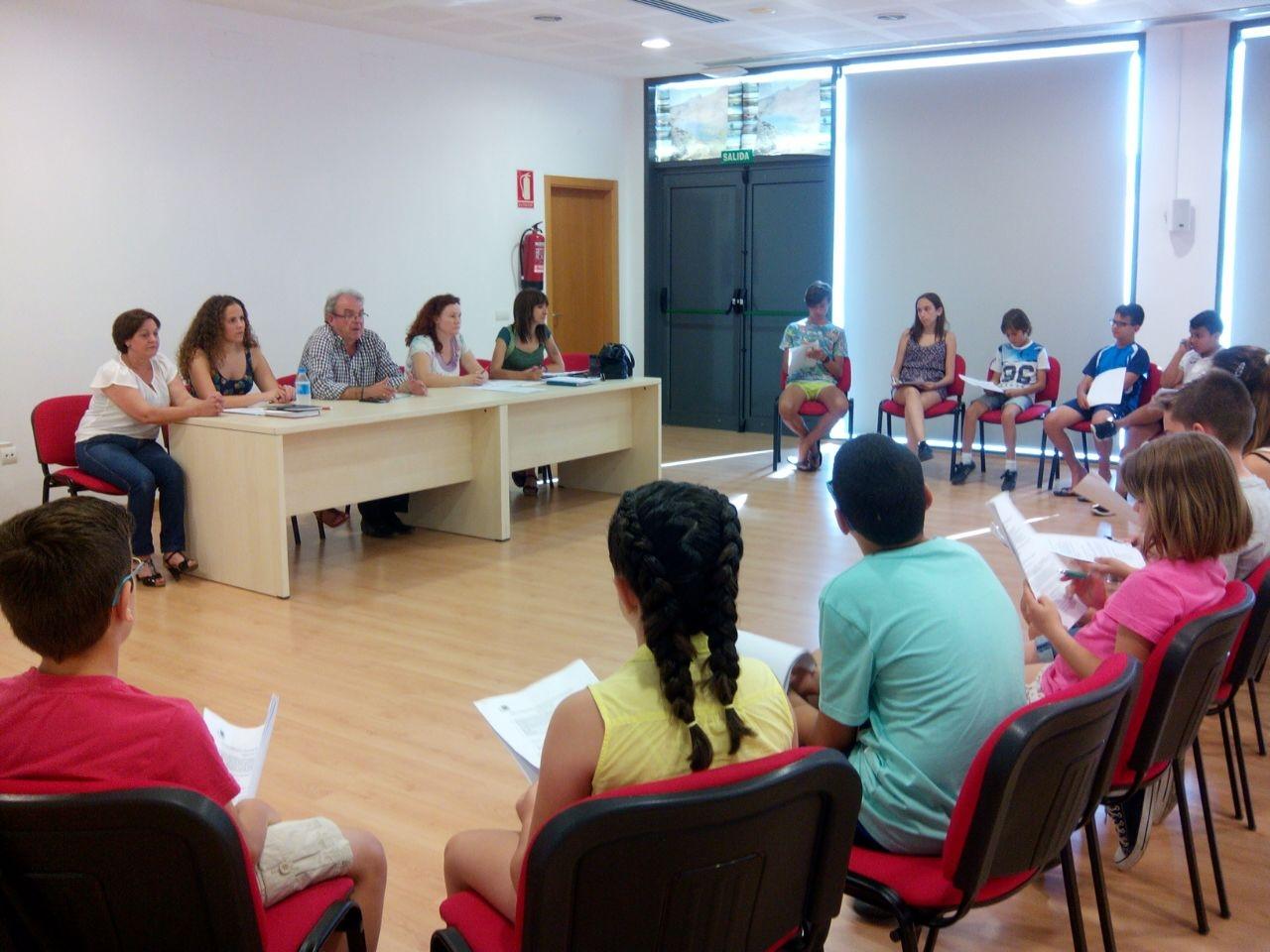 Primera sesión ordinaria anual del Consejo de Participación de la Infancia y Adolescencia de Vícar (Almería) tras las elecciones municipales