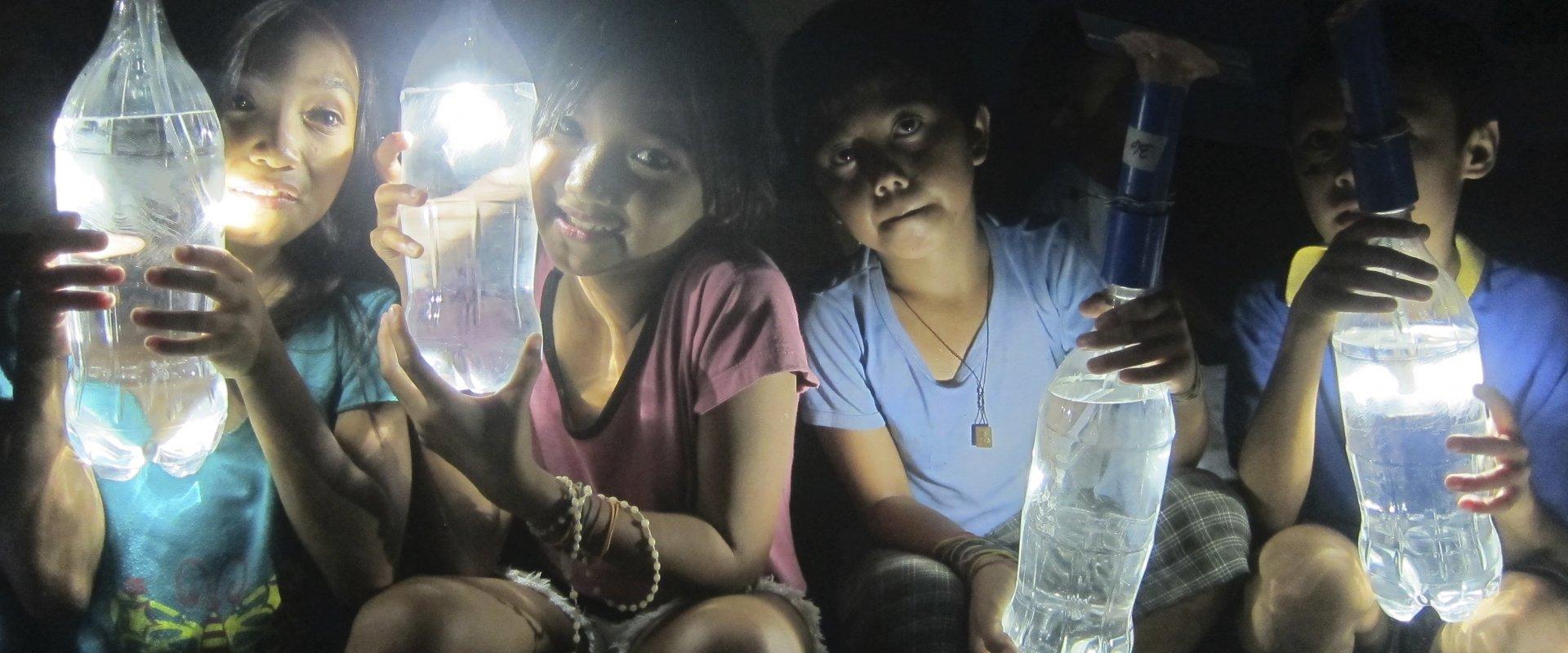 Iloílo, Filipinas, © Liter of Light