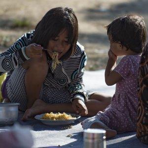 Cómo ayudar a los miles de niños y niñas afectados por el tsunami de Indonesia