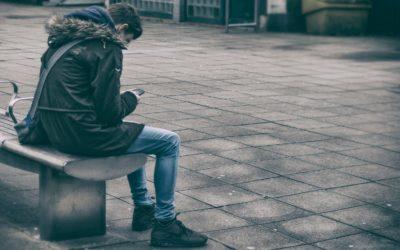 Las aulas y las redes sociales siguen siendo espacios de acoso para la juventud LGTBI