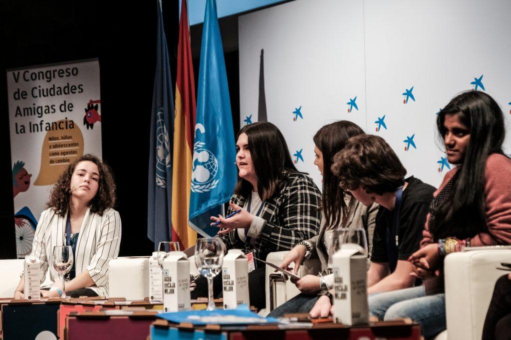 Mesa de diálogo del grupo asesor en el V Congreso de Ciudades Amigas de la Infancia / UNICEF Comité Español/2019/Hugo Palotto