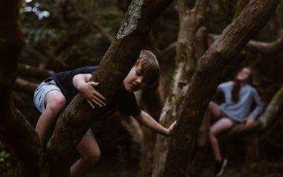 Qué es el 'déficit de naturaleza' y cómo afecta a los niños y niñas