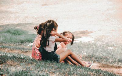 Razones por las que los espacios verdes son clave para la infancia y las ciudades