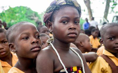 Ser niña durante la pandemia: aumentan los casos de matrimonios infantiles, embarazos, violencia y mutilación genital
