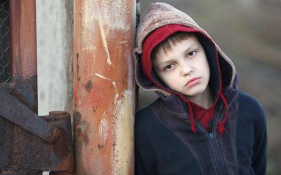 El vínculo entre pobreza y enfermedad mental es bidireccional
